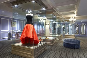 Royal Exhibit Expanded Princess Diana Fashion 1980 1995