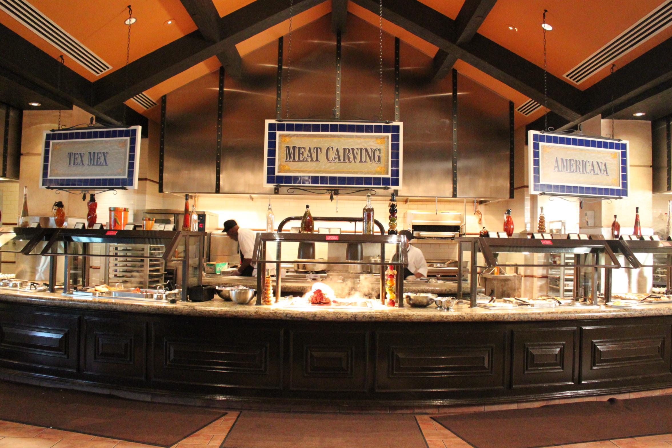 photo release pinnacle entertainment to honor veterans and rh globenewswire com ameristar st charles buffet crab leg night ameristar st charles seafood buffet