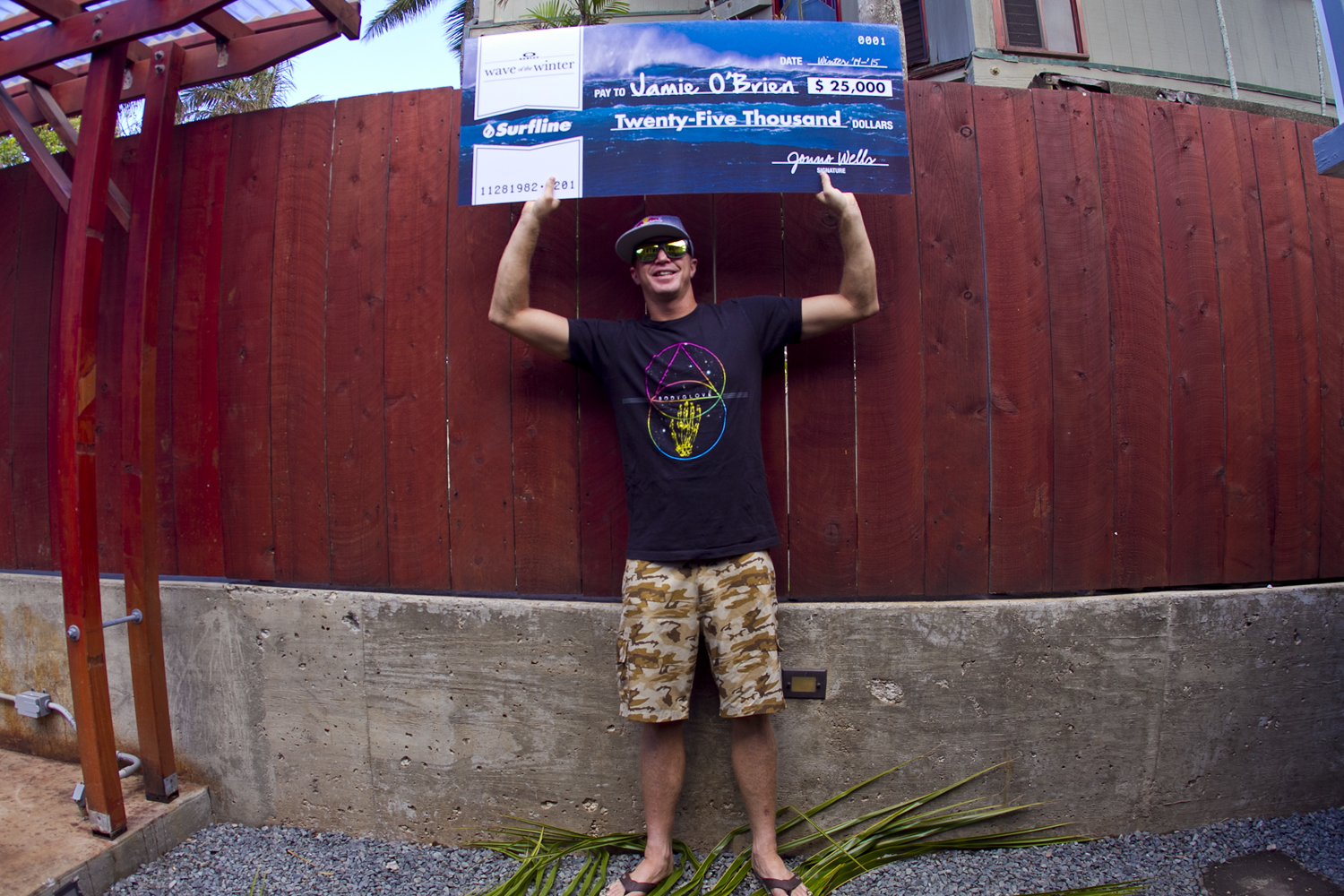 Jamie O'Brien Wins Oakley Wave of the Winter Powered By Surfline