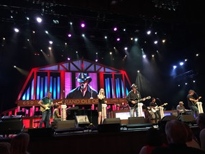 Trace Adkins 11th Uso Tour To Kick Off The Grand Ole Opry Uso 75th